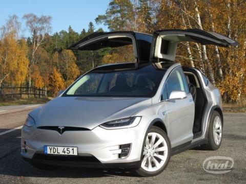 Nu säljs den första begagnade Tesla Model X i Sverige