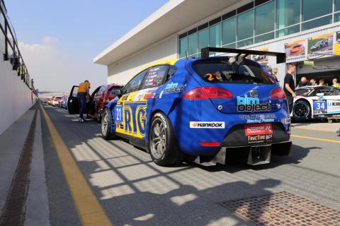 Team nr 21 Seat Supercoda klass A3 Dubai autodrome