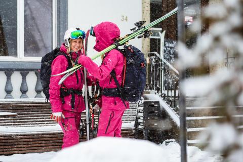 Systrar i bergen till Hammarbybacken för inspirerande Systerträff