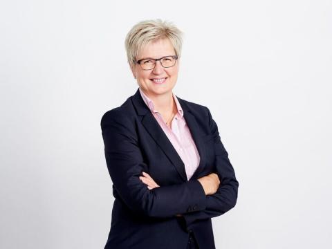 Sparbanksförbundet får ny styrelse: ny ordförande är Pirkko Ahonen, verkställande direktör för den Aito Sparbank som blir en miljardbank