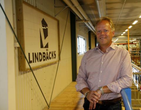 USA s utrikesminister bjöd in svensk träbyggare till Alaska