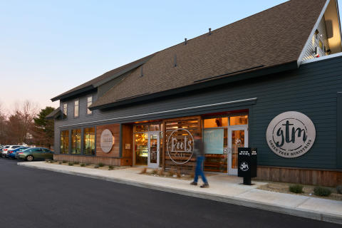 MODERN BARN-STYLE CAFÉ RECENTLY COMPLETED IN SOUTHERN MAINE