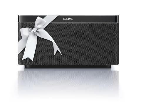 Fars Dag! Overrask den du holder af med en Loewe AirSpeaker eller en Loewe SoundBox