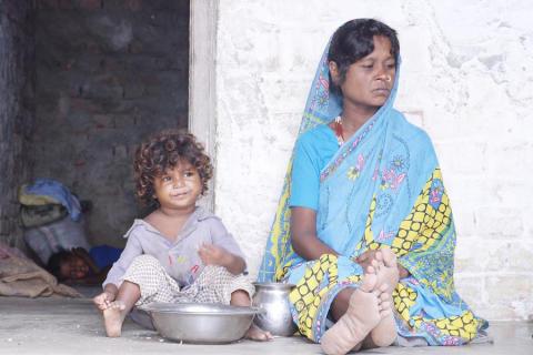 SOS-Barnbyars hjälpinsatser för översvämningsdrabbade i Indien