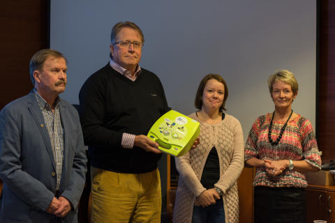 Orivesi sai ensimmäisen maallikkodefibrillaattorinsa Sydänviikolla