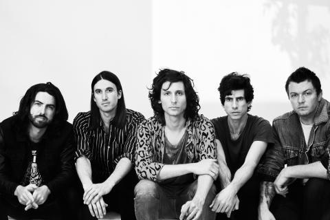 Strokesgitarristen Nick Valensi har bildat nya bandet CRX