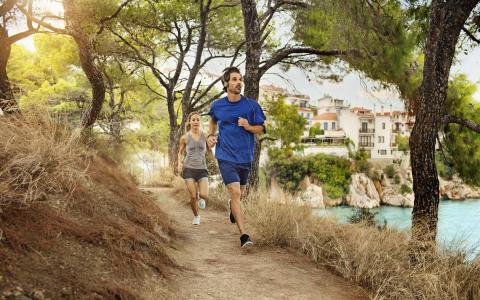 Mere end hver tredje tager træning med på ferie