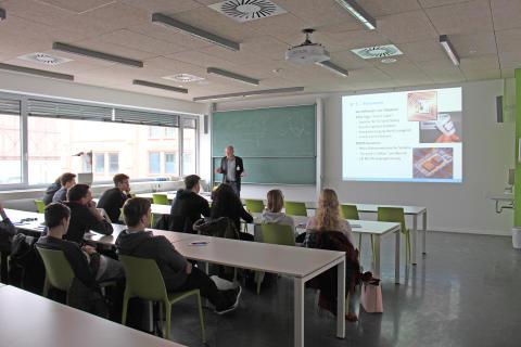 Mehr als 300 Schülerinnen und Schüler beim 6. Fachtag Informatik am 24. Januar 2017 an der Technischen Hochschule Wildau