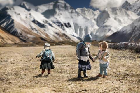 AW18 - Valleys of Himalaya