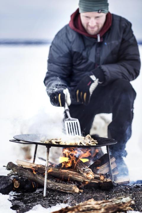 Outdoor cooking, winter