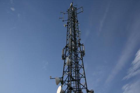 Bredbandskollens sammanställning visar: 3 har högst nedladdningshastighet på mobilsurf i Sverige