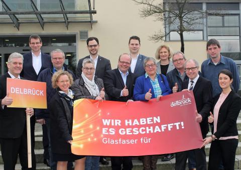 """Lichtgeschwindigkeit für Delbrück """"Zehn Orte – eine Stadt"""": Auch Delbrück-Mitte kommt ans Deutsche Glasfaser-Netz"""