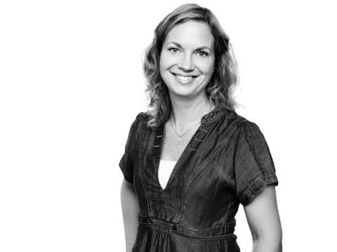 Caroline Schiller, Produkt-chef