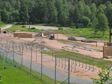 Pressinbjudan: Kampen utvecklas med soldäck, bryggor och hinderbanor till en helt ny mötesplats i Växjö