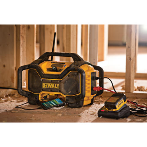 Dewalt 174 Announces Jobsite Light And Bluetooth 174 Charger