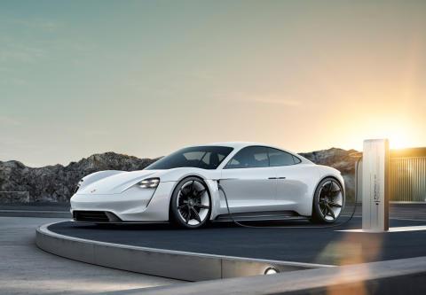 Konceptstudien Mission E från Porsche.
