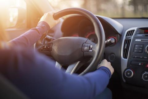 Olika typer av missljud vid kallstart av bilen och deras orsaker.