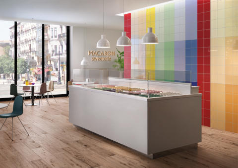 Colour trends 2017: Expressive and individual – Trendy wall designs with coloured tiles