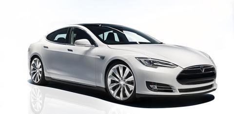 Testa en Tesla med Avis Prestige