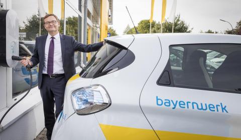 28 neue Elektrofahrzeuge vom Typ Renault Zoe hat das Bayernwerk in seine Flotte aufgenommen.