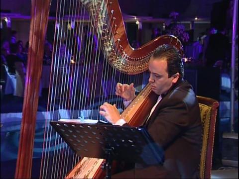 Klassisk musik med Basel Sara på Siggebohyttans bergsmansgård
