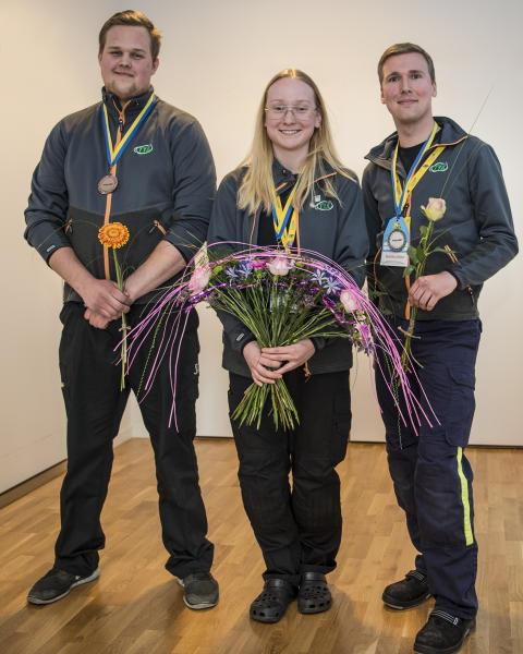 Stolta medaljörer efter prisutdelningen