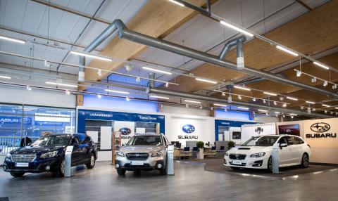 Pääkaupunkiseudun uusi Subaru-lippulaivaliike avattiin Herttoniemeen