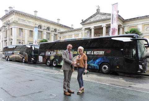OXFORD BUS COMPANY UNVEILS SPECIAL NEW ASHMOLEAN MUSEUM BRANDED COACHES