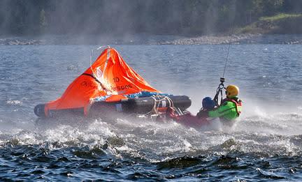 48 timmar i en livflotte – unik räddningsövning med Sjöräddningssällskapet