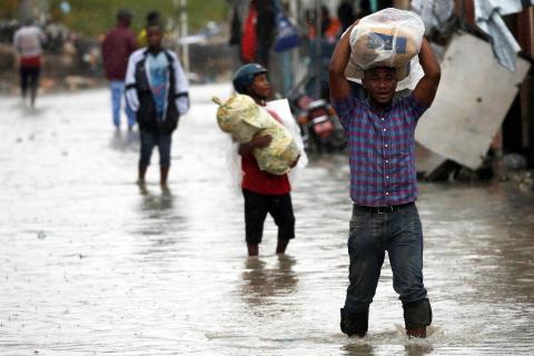 Orkanen Matthew skapar förödelse i Haiti