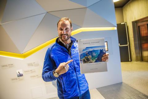 Kroonprins Haakon opent nieuw bergcentrum Norsk Tindesenter