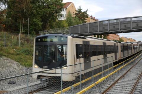 Nye Ensjø T-banestasjon åpner