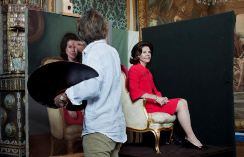 Portrait of Queen Silvia to Swedish National Portrait Gallery
