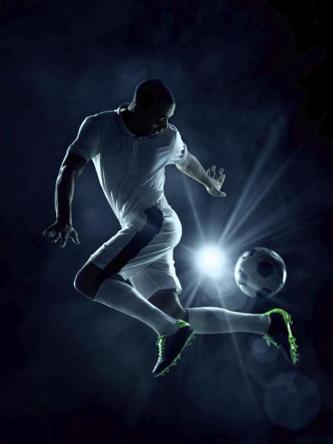 Lissabon lockar fotbollssugna svenskar