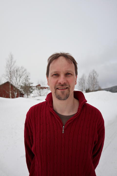 Portrettbilde av #inspirasjonsbonde og kornbonde (såkorn og belgvekster, pluss ammeku/telemarksfe) Hellek Berge.