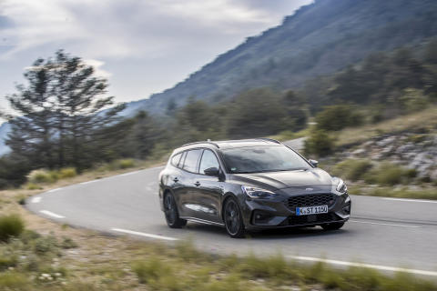 FORD_2019_FOCUS_ST_Wagon_Magnetic_24