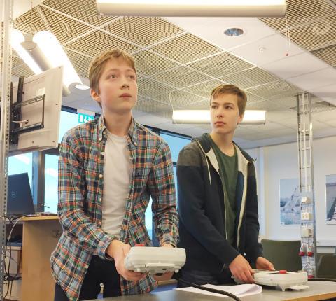 Robothon-vinnare får programmera  riktiga industrirobotar!
