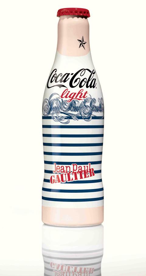"""Flasken """"Day"""" fra Jean Paul Gaultiers nye kolleksjon for Coca-Cola light"""