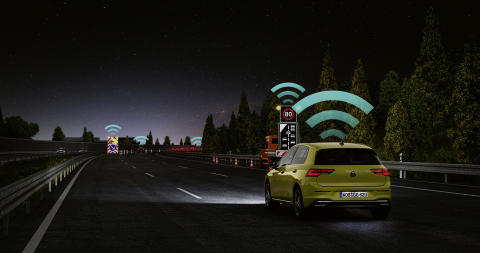 Car2X-tekniken ansluter till andra bilar och trafikinfrastrukturen