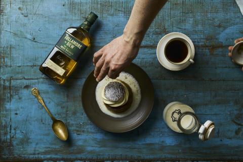 Stjärnkockens hemliga knep – whiskey till semlan