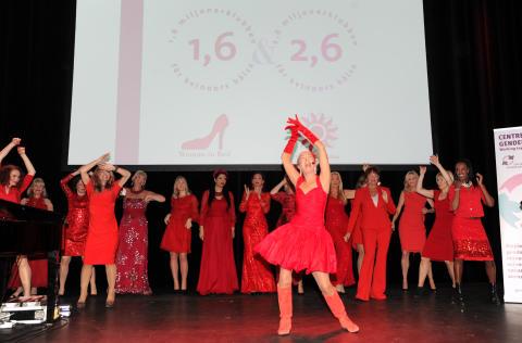 Ny forskning och högklassig underhållning på Woman in Red i Stockholm