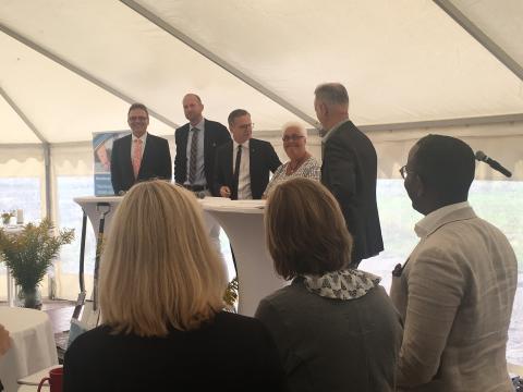 Högskolan på plats när Wargön Innovation tog spadtag för nytt nationellt centrum