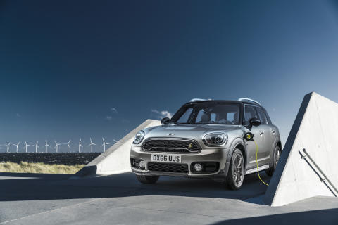 MINI Cooper S E Countryman ALL4 opladning