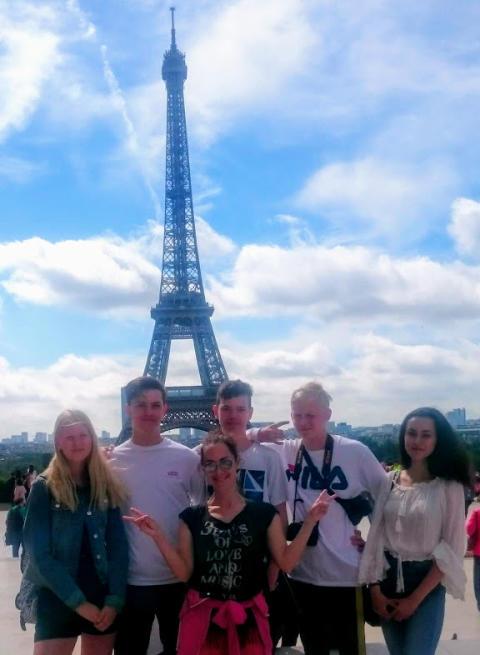Elever från Erlaskolan i Paris