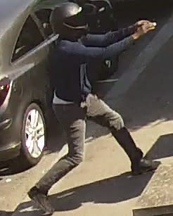 Image of man police wish to identify ref:  253378