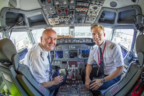 Norwegian Boeing 737 pilots in cockpit