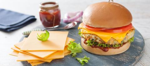 Populära köttfria burgare banar vägen för veganska tillbehör