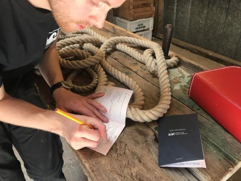 Der føres log i søfartsbøgerne