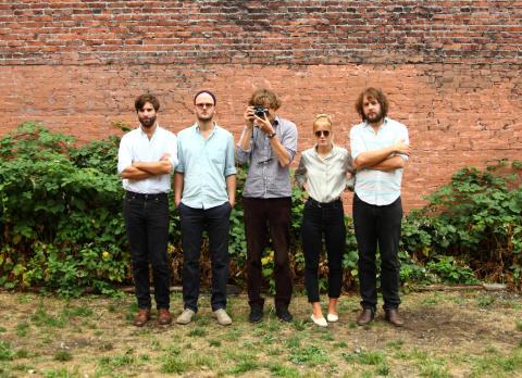 Shout Out Louds bjuder på Passion Pit-remix och extrakonsert i Stockholm
