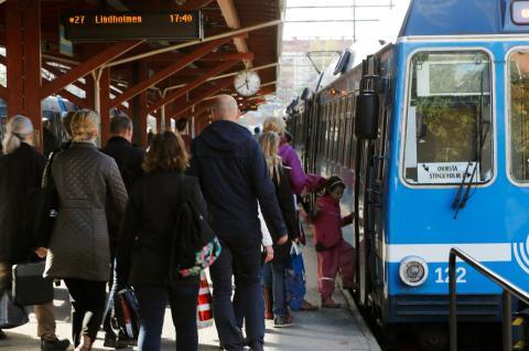 Arriva förstärker kapaciteten på tågen från Vallentuna i rusningstrafik.